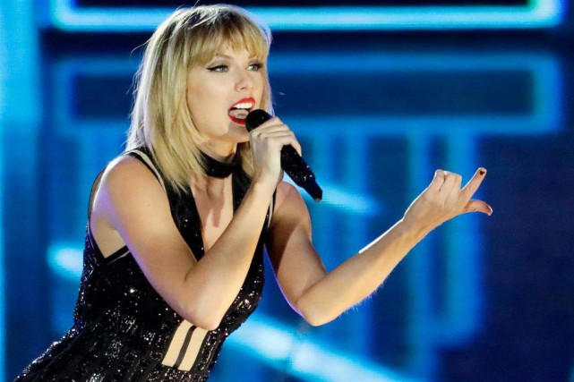 La chanteuse Taylor Swift en spectacle, le 22... (photo Darron Cummings, archives associated press)