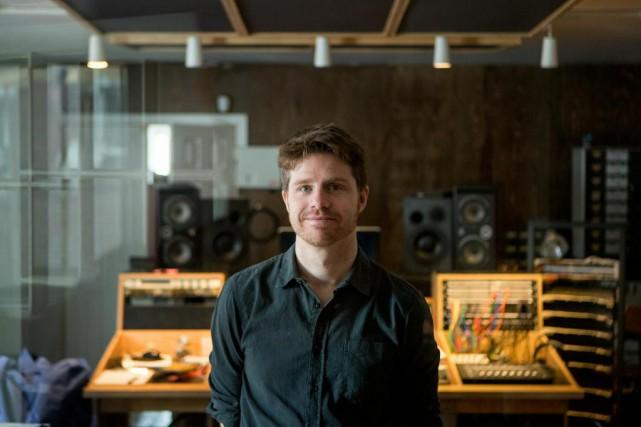 Vincent Vallières s'apprête à lancer son septième album,... (PHOTO MARCO CAMPANOZZI, LA PRESSE)
