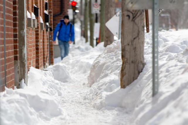 Tout le déneigement progresse lentement actuellement à Montréal.... (Photo Olivier Jean, La Presse)