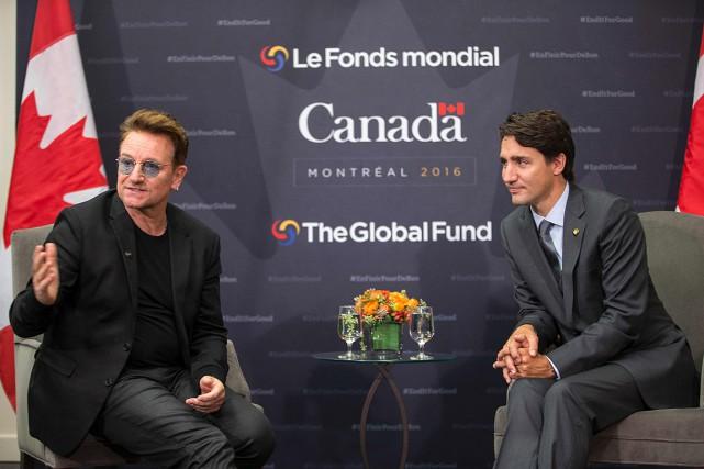 Le chanteur Bono a rencontré le premier ministre... (ARCHIVES AGENCE FRANCE-PRESSE, Geoff Robins)