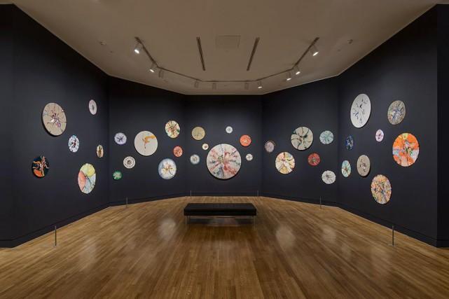 Vue de l'installation de peintures circulaires placée au... (Photo fournie par le Musée des beaux-arts du Canada)