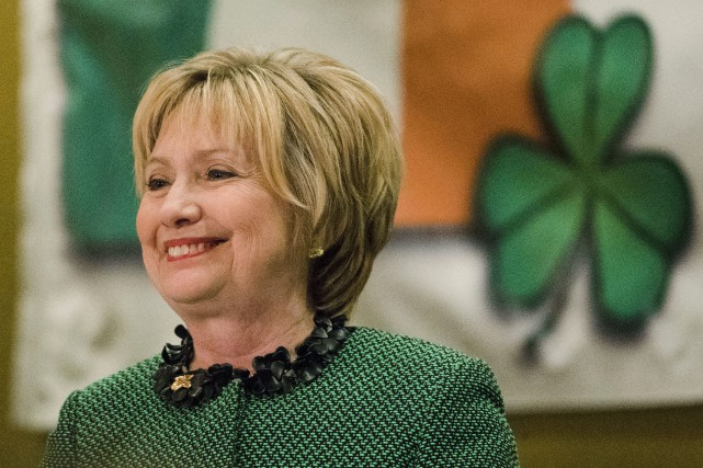 Hillary Clinton participait vendredi à un événement à... (Photo Matt Rourke, AP)