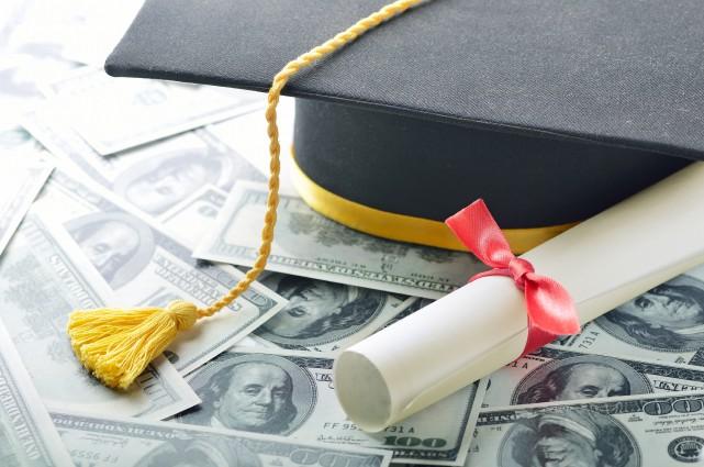 Un cours d'éducation financière est un outil nécessaire... (123RF/pogonici)