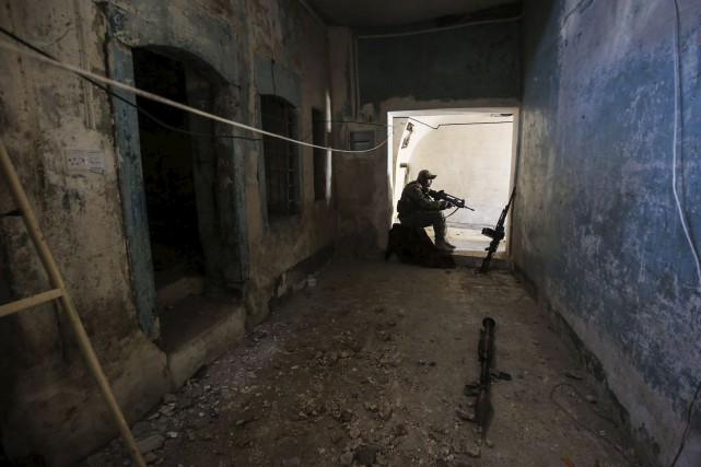 Les rues étroites, le risque de blesser des... (AFP, Ahmad al-Rubaye)