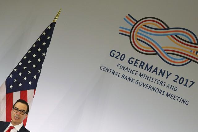 Sur la photo, le secrétaire américain au Trésor... (Photo Kai Pfaffenbach, REUTERS)