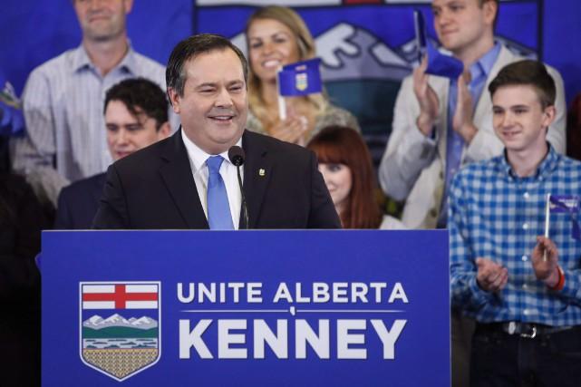 Vendredi, à Calgary, Jason Kenneys'est engagé à se... (La Presse canadienne, Jeff McIntosh)