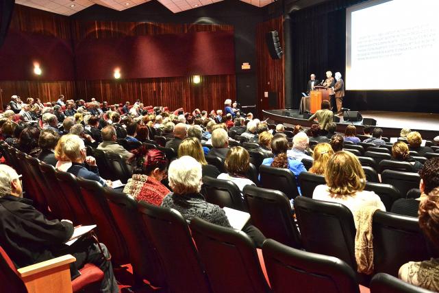 Plus de 225 personnes ont participé au Forum... (PHOTO COLLABORATION SPÉCIALE JOHANNE FOURNIER)