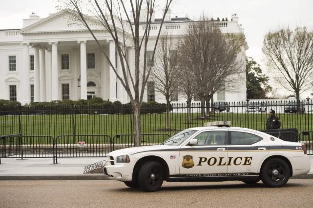Les services chargés de la sécurité du président américain ont renforcé samedi... (Photo Saul Loeb, Agence France-Presse)