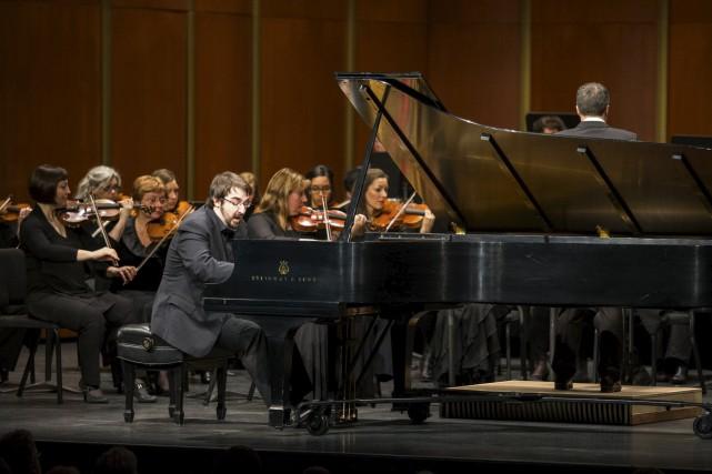 Le pianiste Charles Richard-Hamelin a envoûté les mélomanes... (Olivier Croteau)