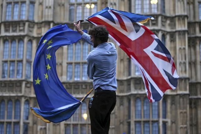 Le gouvernement britannique de Theresa May activera le 29 mars l'article 50 du... (PHOTO ARCHIVES AGENCE FRANCE-PRESSE)