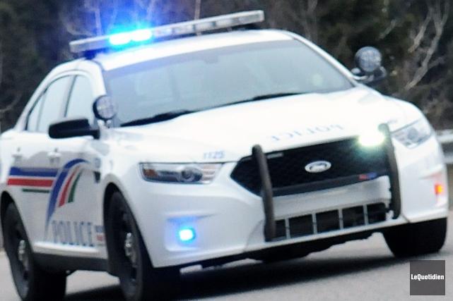 Les policiers de Saguenay tentent d'élucider un vol... (Archives Le Quotidien)