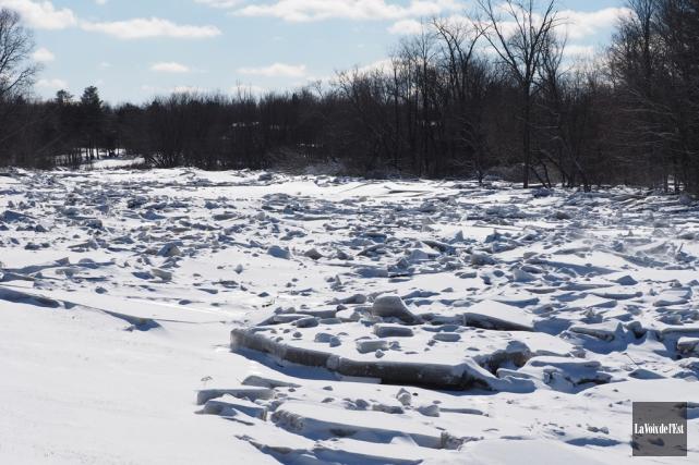 Les citoyens de Brigham touchés par les inondations... (Alain Dion, archives La Voix de l'Est)