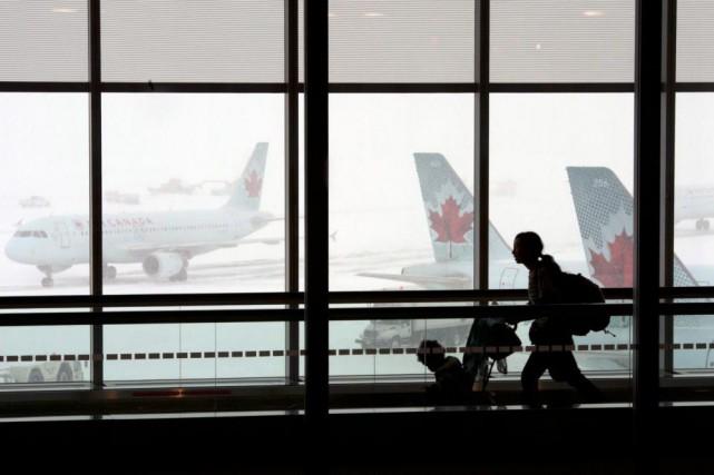 Privatiser les huit principaux aéroports canadiens pourrait rapporter... (ARCHIVES PC)
