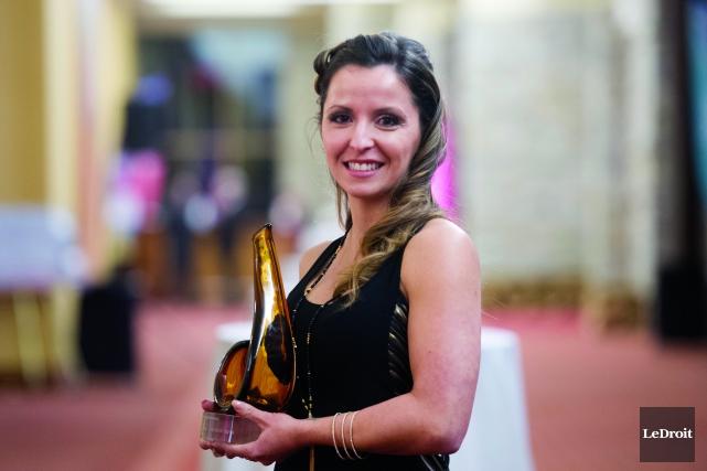 Véronique Guillemette-Girard d'Entretien GMV a remporté le prix... (Martin Roy, Le Droit)