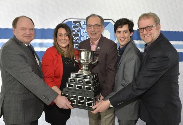 Paul Ménard, directeur général de Hockey Québec, et... (Spectre Média, Maxime Picard)
