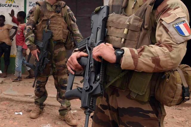 Les accusations avaient ébranlé l'armée française, présente en... (ARCHIVES AFP)