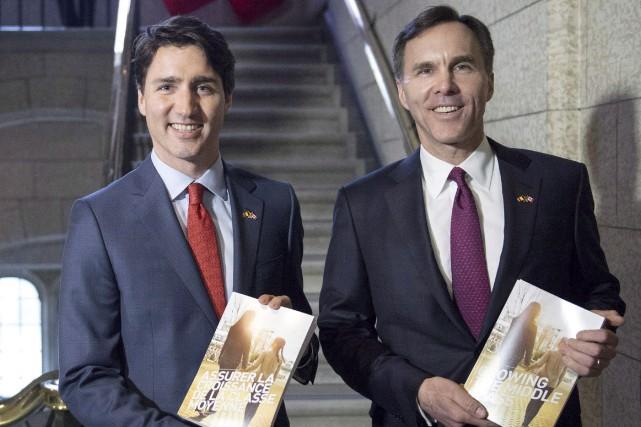 Le premier ministre, Justin Trudeau, et le ministre... (La Presse canadienne)