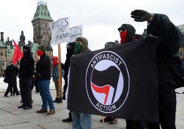 Des manifestants en faveur de lamotion contre l'islamophobie... (PHOTO PC)