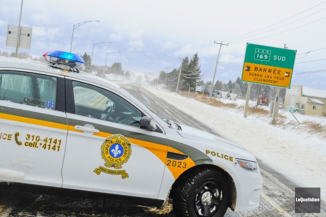 Sur la route169, la chaussée est glacée et... (Photo Le Quotidien, Gimmy Desbiens)