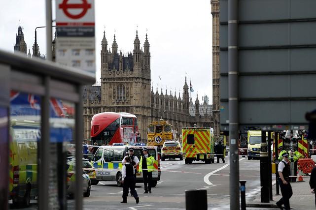 Vous vous trouvez actuellement au centre-ville de Londres et avez été témoin... (Matt Dunham, AP)