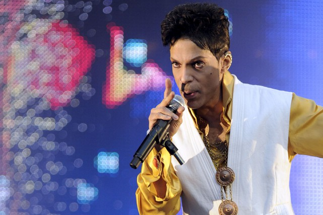 Prince en 2011... (Photo archives AFP)