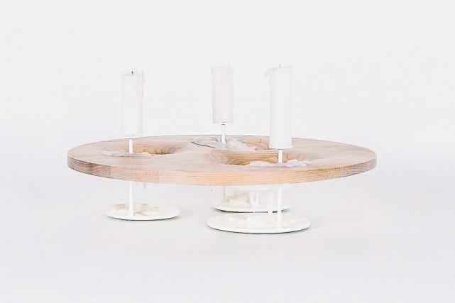 La portion en bois du chandelier L'écume des... (Fournie par L'Objet)