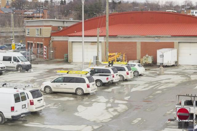 La Ville de Sherbrooke doit démolir deux des... (Archives La Tribune, Marie-Lou Béland)