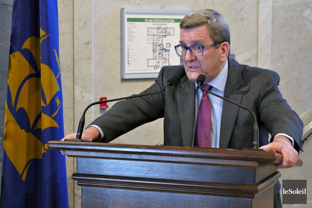 Le maire Régis Labeaume réclame un lieutenant libéral... (Le Soleil, Frédéric Matte)