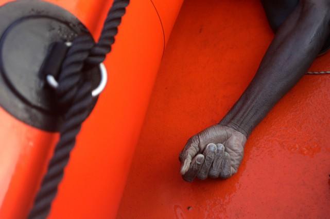 Nouveau drame en Méditerranée: environ 250 migrants africains seraient morts... (PHOTO REUTERS)