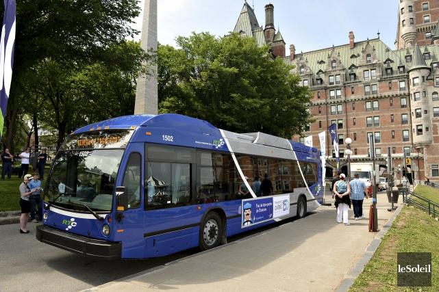 Pas moins de 93 bus seront retirés chaque... (Photothèque Le Soleil, Patrice Laroche)