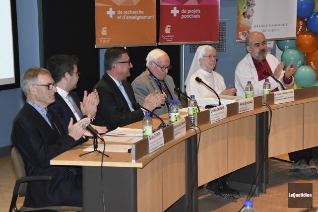 Le président-directeur général adjoint du CIUSSS, Gilles Gagnon,... (Photo Le Quotidien, Michel Tremblay)
