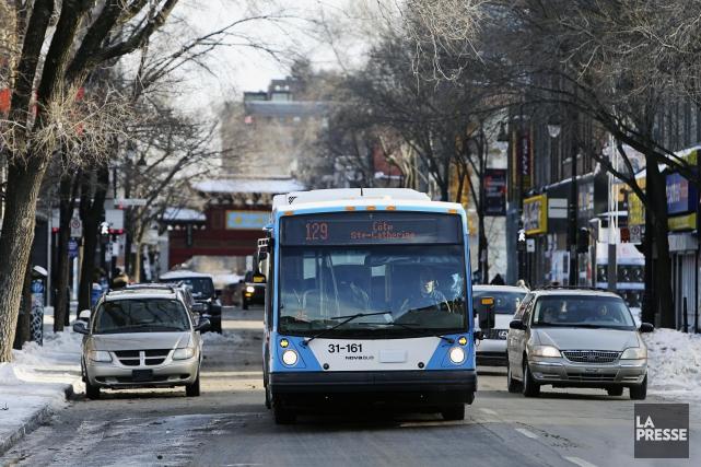 Ces ajustements d'horaires sur le réseau de bus... (Photo Martin Chamberland, archives La Presse)