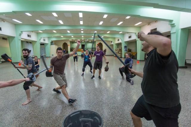 Les Templiers de Montreal pratiquent des combats d'épée... (Photo Olivier Jean, La Presse)
