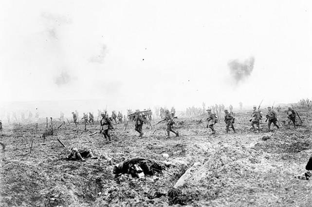 Pendant la bataille de la crête de Vimy,... (Bibliothèque et Archives Canada)