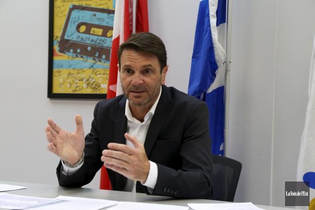 Le député de Granby, François Bonnardel, propose qu'un... (Janick Marois, La Voix de l'Est)