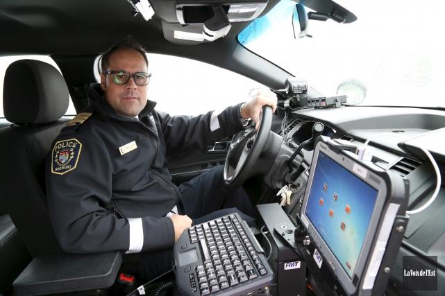 «De plus en plus, les policiers ont à... (Janick Marois, La Voix de l'Est)