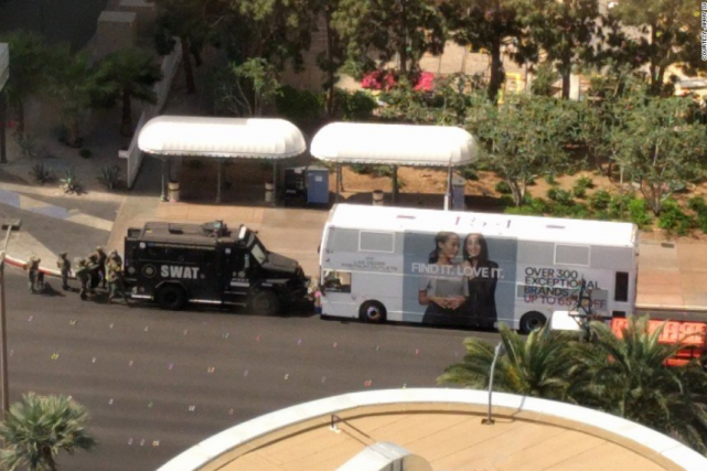 Une fusillade a eu lieu dans un autobus... (Photo tirée de Twitter)