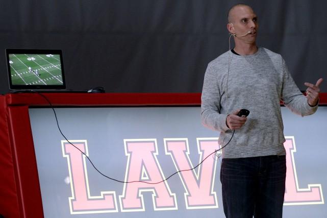 Chad O'Shea, entraîneur des receveurs de passes des... (Le Soleil, Erick Labbé)