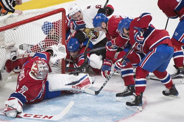 Les joueurs du Canadien et Mark Stone, des... (La Presse canadienne, Graham Hughes)