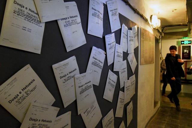 Les archives de la redoutée police de l'époque,... (AFP, Gent Shkullaku)