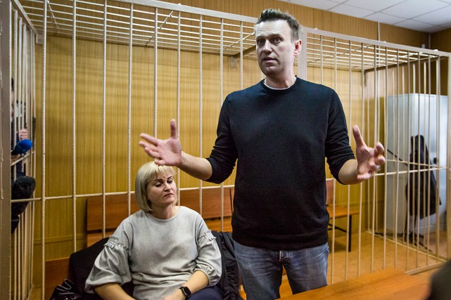 L'opposant russe Alexeï Navalny et son avocate Olga... (PHOTO DENIS TYRIN, ASSOCIATED PRESS)