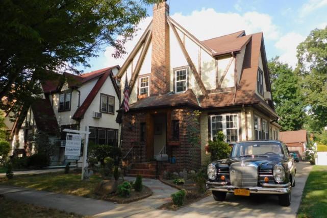 La demeure, située dans le quartier plutôt cossu... (Photo fournie par le vendeur)