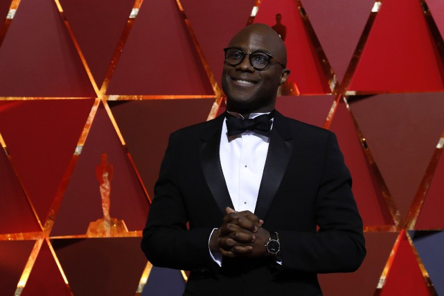 Barry Jenkins sur le tapis rouge des Oscars.... (PHOTO MARIO ANZUONI, ARCHIVES REUTERS)