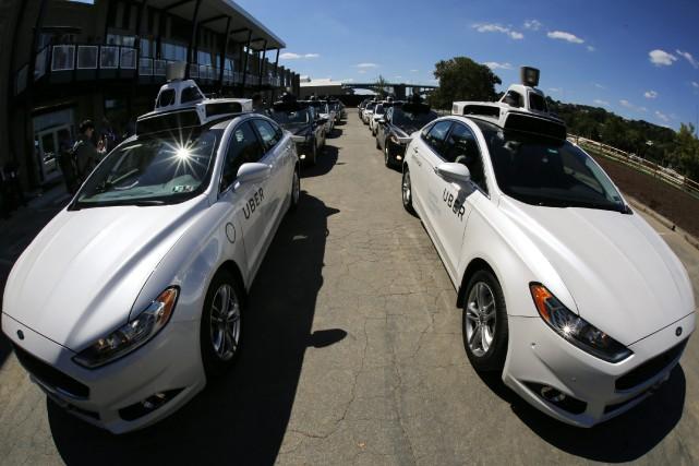 Les voitures sans chauffeur ont repris du service... (Photo Gene J. Puskar, AP)