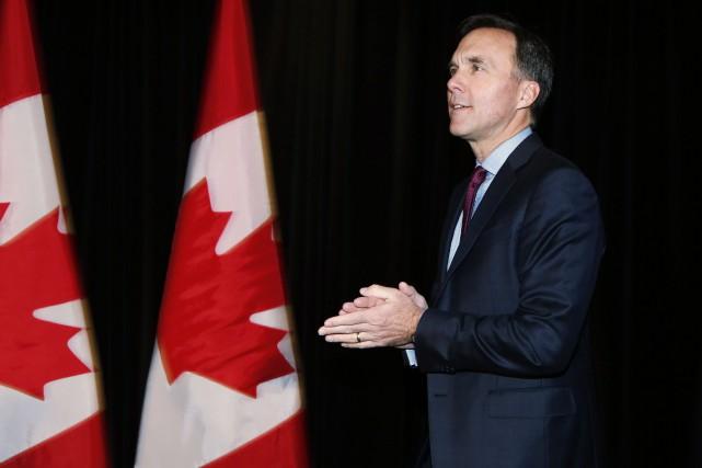 Bill Morneau, qui s'est entretenu avec le secrétaire... (Photo Todd Korol, la presse canadienne)