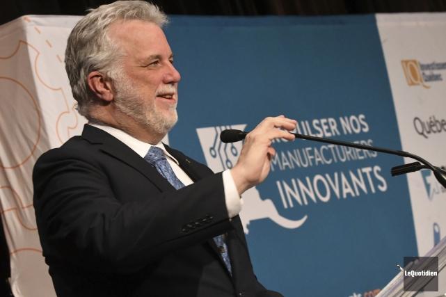 Le premier ministre Philippe Couillard... (Photo Le Quotidien, Michel Tremblay)