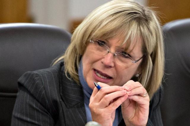 La ministre Francine Charbonneau... (Archives, La Presse canadienne)