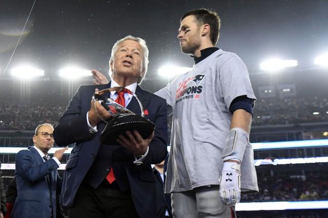 Le propriétaire des Patriots de la Nouvelle-Angleterre, Robert... (Photo James Lang, archives USA Today Sports)