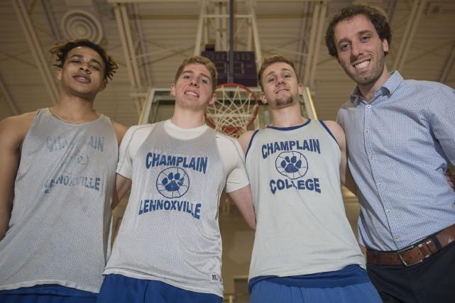 L'entraîneur des Cougars du Collège Champlain, Mathieu Beaudoin,... (Spectre Média, Frédéric Côté)
