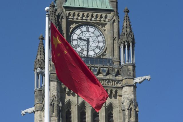 La Ville d'Ottawa a une politique de bilinguisme,... (La Presse Canadienne, Adrian Wyld)